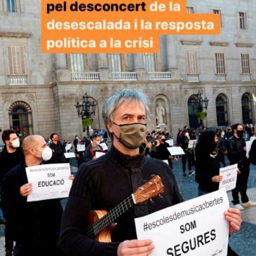 Concentració de les Escoles de Música Privades i Autoritzades de Catalunya a la Plaça de Sant Jaume el 18 de novembre de 2020